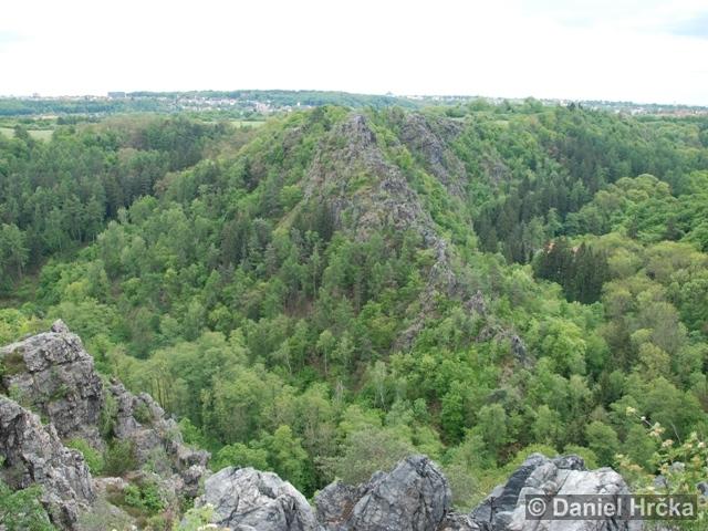 DIVOKÁ ŠÁRKA, DÍVČÍ SKOK – přírodní rezervace